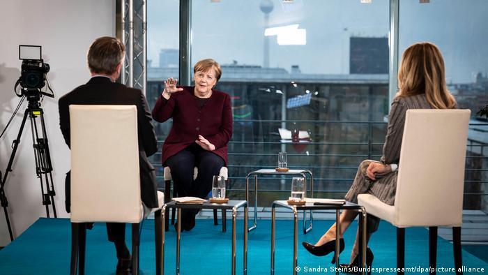 La canciller alemana, Angela Merkel, en entrevista con la cadena privada RTL, este 4 de febrero de 2021.