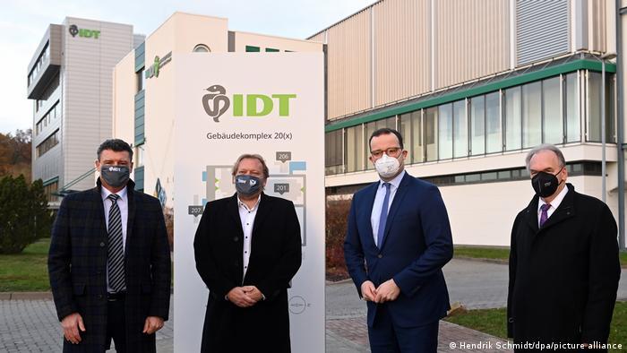 IDT Biologika being visited by policymkakers