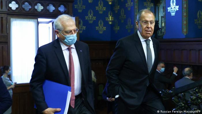 Жозеп Боррель під час зустрчі з Сергєм Лавровим у Москві