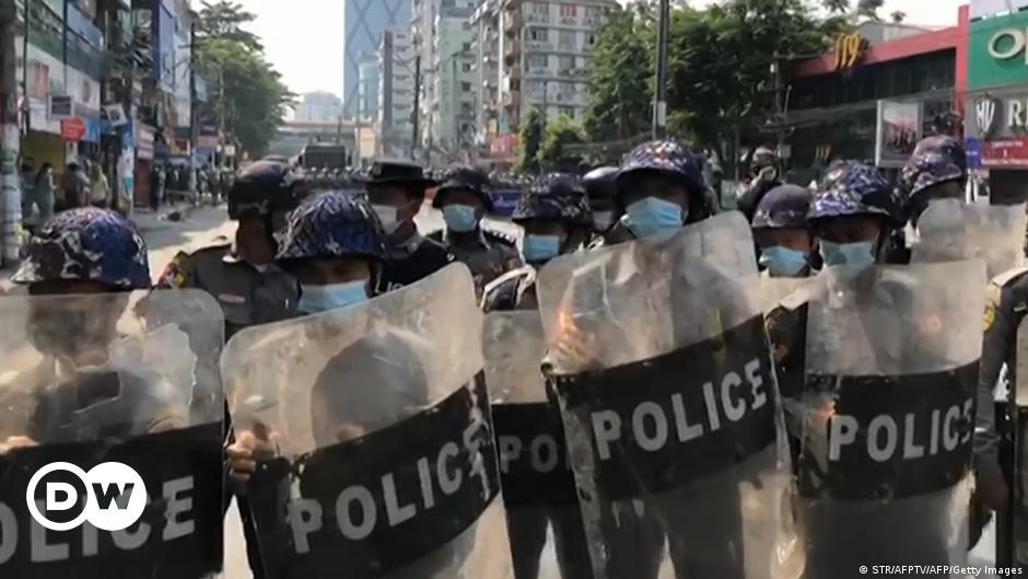 Myanmar'da internete erişim engeli