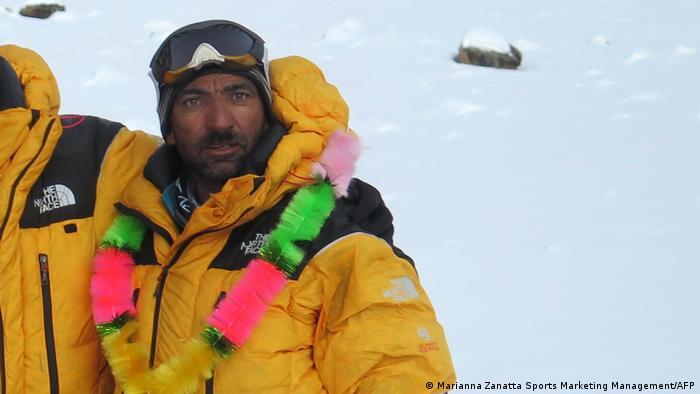 Pakistan der Bergsteiger Ali Sadpara nach der besteigung des Nanga Parbat