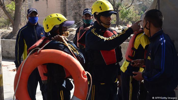 Indien Uttarakhand   Gletscherabbruch & Überschwemmung   Rettungskräfte