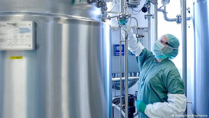 Proizvodnja vakcina protiv korone je složen proces i proizvodni kapaciteti ne mogu se brzo i lako povećati