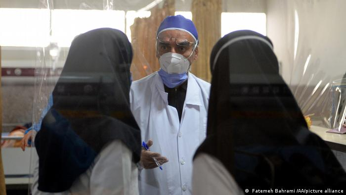 Intensivstation in einem Krankenhaus in Teheran