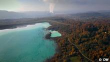 Oktober / November 2020 DW-Doku über chinesische Seidenstraße auf dem Balkan. Asche- und Abwasserdeponie der Kohlekraftwerk in Tuzla, Bosnien.