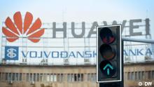 Oktober / November 2020 DW-Doku über chinesische Seidenstraße auf dem Balkan. Werbung für Huawei in Zentrum von Belgrad, Serbien.