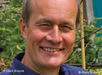Mark Brayne: Psychotherapeut, ehemaliger Journalist und Medienkritiker