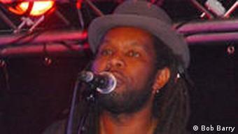 Baldé auf der Bühne (Bild: Bob Barry)