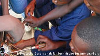 Former child soldiers learn electrical skills