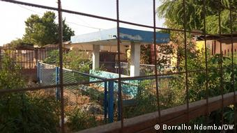 Heruntergekommenes Gebäude in Luanda, Angola