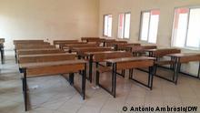 08.02.2021, Uíge, Angola Corona l Grundschulen nehmen den Unterricht wieder auf leeres Klassenzimmer