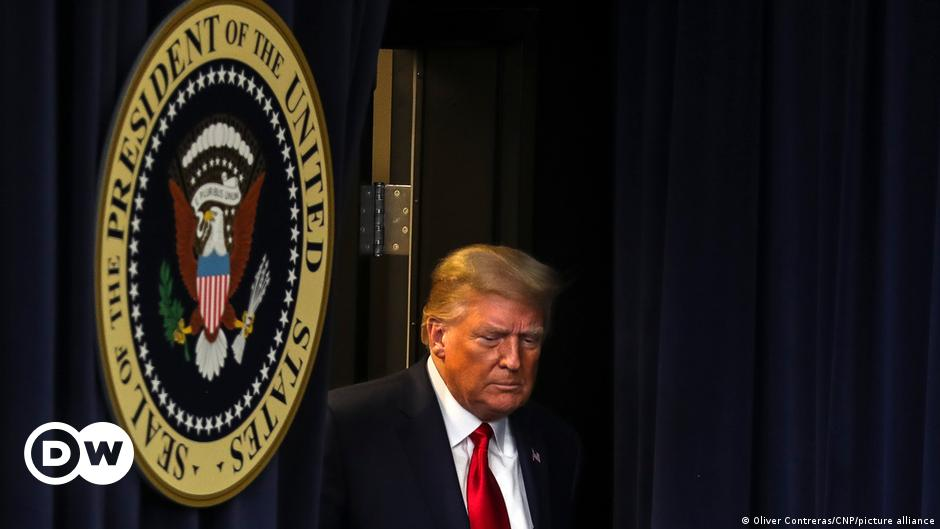 المحكمة الأمريكية العليا تأمر ترامب بتسليم إقراراته الضريبية