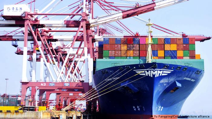 A container liner loads and unloads containers at a foreign trade container terminal in Qingdao