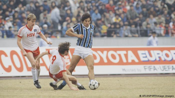 1983 - Hamburg beaten 2-1 by Gremio