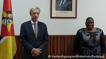 Mosambik   Außenministerin Veronica Macamo (R)   João Cravinho Verteidigungsminister von Portugal,