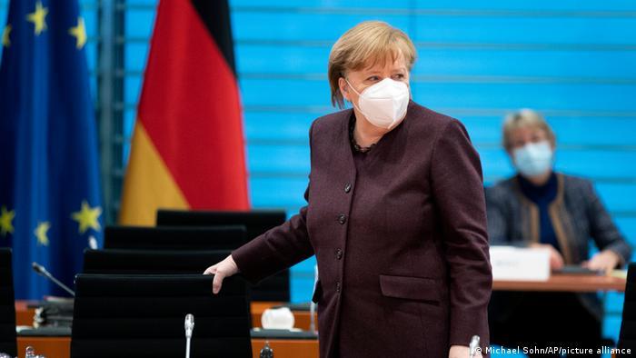 Kanzlerin Merkel vor Kabinettssitzung