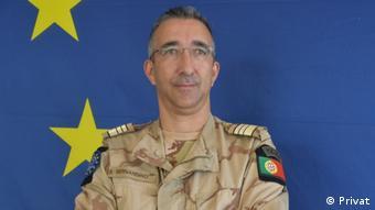 Luís Manuel Bernardino I Militärspezialist