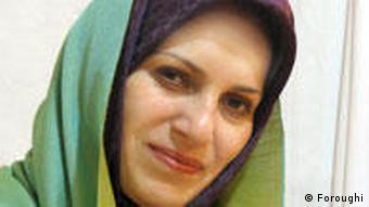 سعیده فروغی، استاد دانشگاه، از نه سال پیش تا کنون در صنعت مد ایران فعالیت دارد