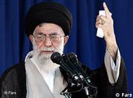 آیتالله علی خامنهای؛ رییس قوه قضاییه او را مسئول تصمیمگیری در مورد محاکمه «رهبران جنبش سبز» میداند