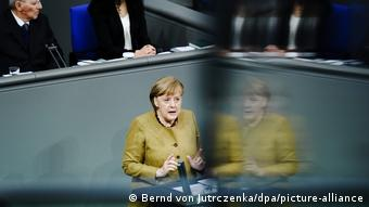 Deutschland Coronavirus Angela Merkel Bundestag