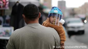 Weltspiegel 11.02.2021   Corona  USA Los Angeles  Baby mit Maske