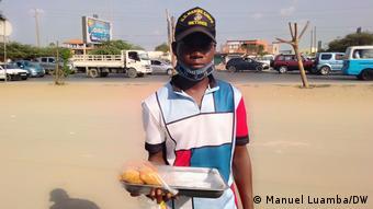António Manuel, Straßenhändler in Luanda, Angola