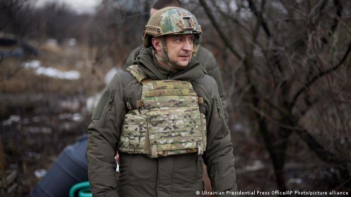Володимир Зеленський під час поїздки на Донбас (архівне фото)