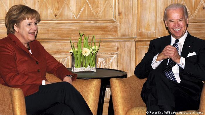 El primer viaje transatlántico de Biden como vicepresidente en 2009 incluyó una reunión con Merkel en el marco de la Conferencia de Seguridad de Múnich.