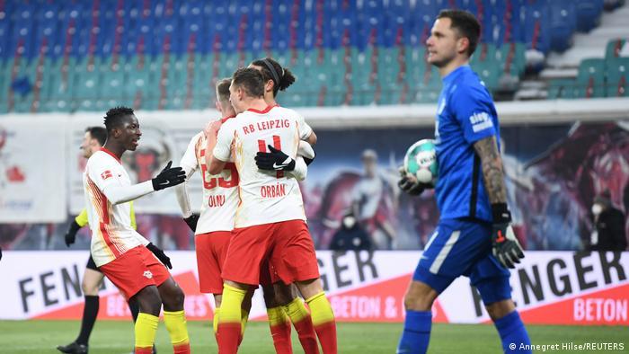Bundesliga: RB Leipzig beat Augsburg as Dayot Upamecano departure looms    Sports  German football and major international sports news   DW   12.02. 2021