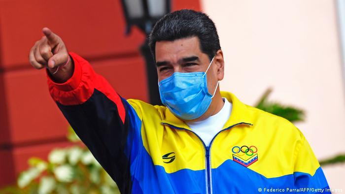 Caracas I Pro und Gegen Demo am Youth Day in Venezuela