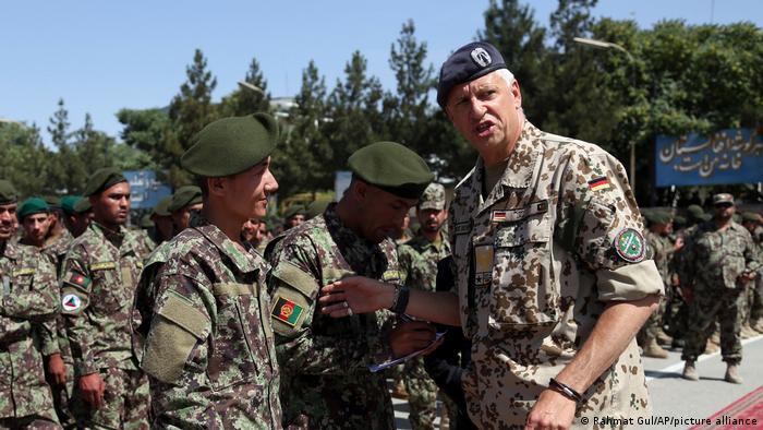 Солдаты бундесвера обучают афганских военных