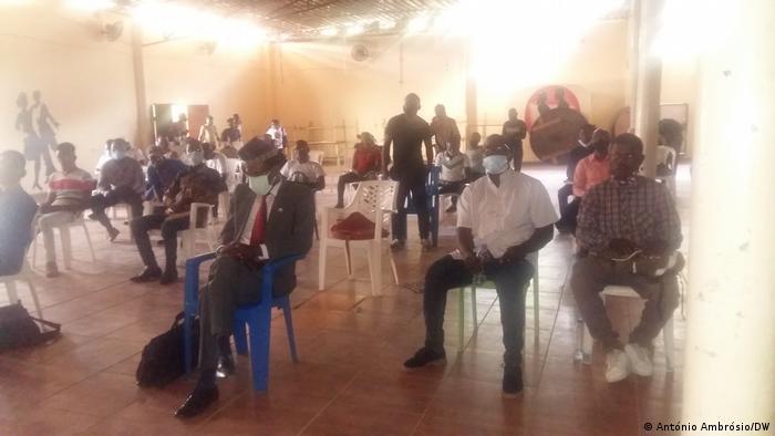 Angola Bengo | Aktivisten-Treffen Caxito