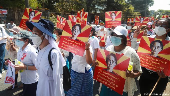 Myanmar Rangun | Proteste gegen Staatsstreich