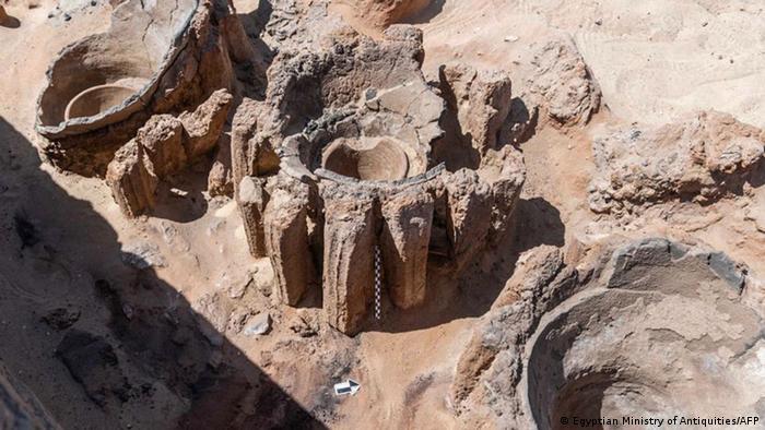 Arqueólogos descubren una cervecería de 5100 años de antigüedad 56564697_303