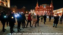 Russland Nawalny Blitzlicht Protest