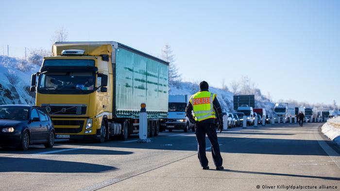 Пробка на въезде в Германию из Чехии