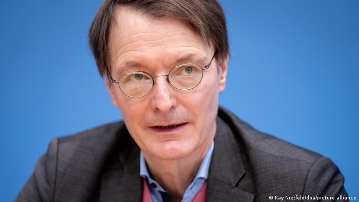 Un politician omniprezent în spaţiul public german: social-democratul Karl Lauterbach