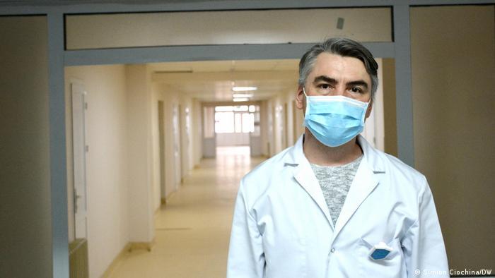 Dr. Adrian Belâi, șeful Departamentului de anestezie și terapie intensivă din cadrul Institutului de Medicină Urgentă de la Chișinău