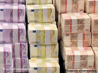 Euro-Banknoten (Foto: dpa)