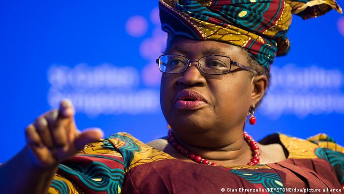 A nigeriana Ngozi Okonjo-Iweala, primeira mulher e primeira africana à frente da Organização Mundial do Comércio