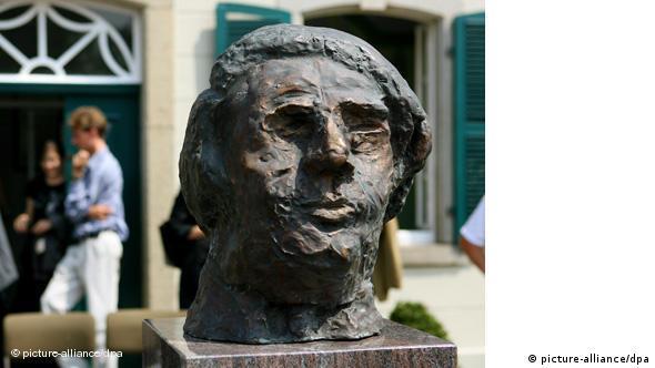 Deutschland Musik Geschichte Komponist Robert Schumann Denkmal in Bonn Flash-Galerie