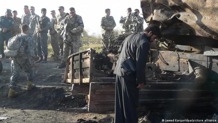 NATO-Experten untersuchen Luftangriff auf Tanklastzüge