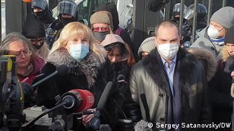 Адвокаты Навального Ольга Михайлова и Вадим Кобзев
