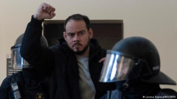 Comunicado de Pablo Hasél ante los 16 meses más de prisión
