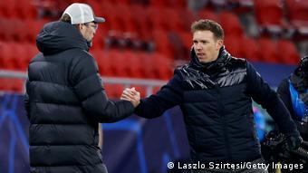 Liverpool-Trainer Jürgen Klopp (l.) und Leipzig-Coach Julian Nagelsmann