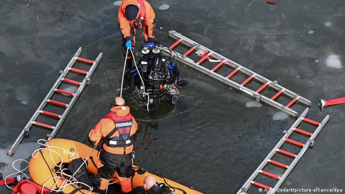 Учения водолазов-спасателей во Франкфурте-на-Майне