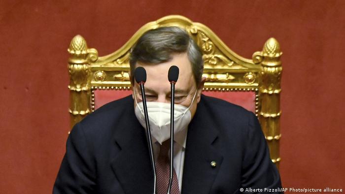 ماریو دراگی از سال ۲۰۱۱ تا ۲۰۱۹ رئیس بانک مرکزی اتحادیه اروپا بود. از از روز ۱۳ فوریه سال ۲۰۲۱ به عنوان نخست وزیر ایتالیا انتخاب شد. حقوق سالانه دراگی ۱۱۴ هزار دلار است که در مقایسه با سایر رهبران اروپایی کمترین حقوق است.