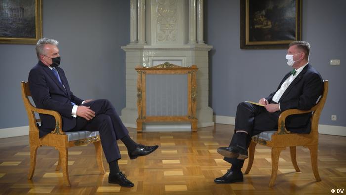 Гітанас Науседа і Костянтин Еггерт під час інтерв'ю