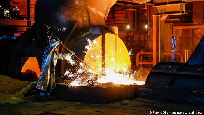 Deutschland | Stahlwerk ThyssenKrupp in Duisburg