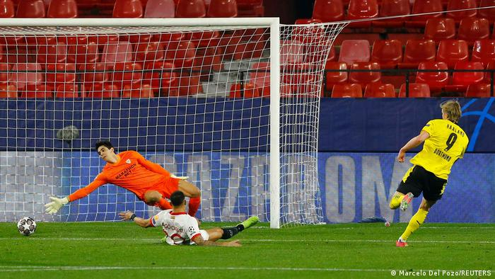 Haaland scores Borussia Dortmund's third, capping a scintillating counter-attack